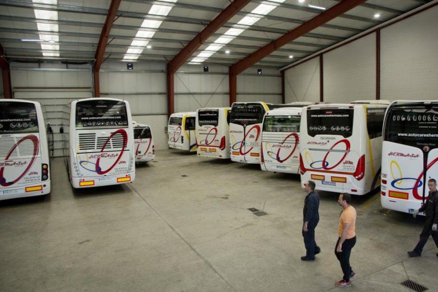 El transporte de viajeros en bus en riesgo de quiebra.