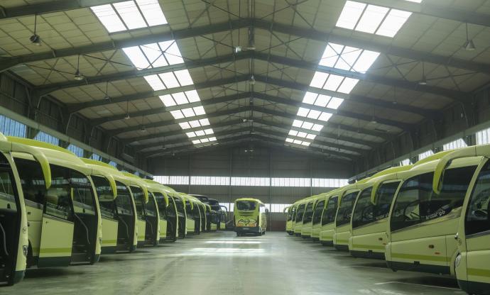 El transporte de viajeros aparcado en la indiferencia
