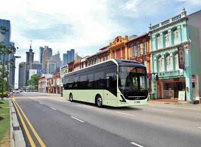 Volvo presenta su primer bus eléctrico